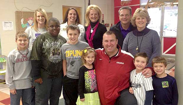 Bret Bielema with Hugh Elementary Students in El Dorado