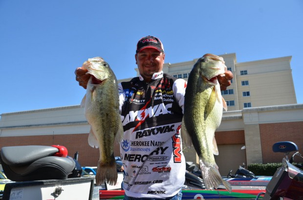 Walmart flw tour winner on beaver lake jason christie for Jason christie fishing