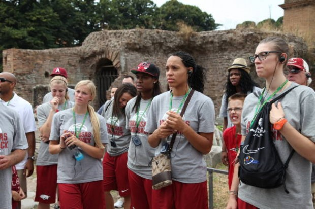 Razorback women's basketball team in italy 4