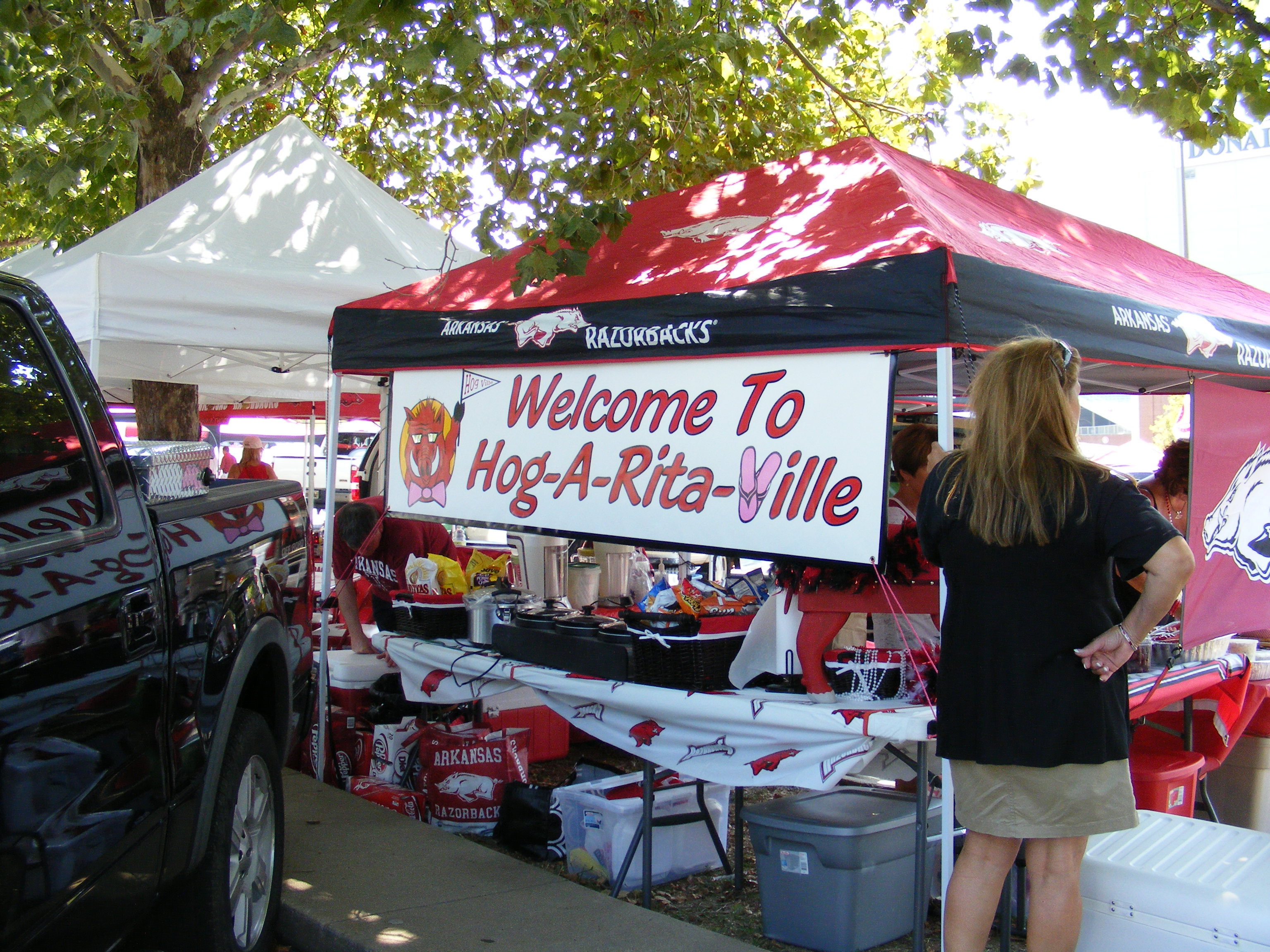 arkansas tailgating 8 : college tailgate tents - memphite.com