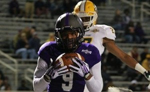 Southeastern Louisiana Lions Run All Over UCA Bears