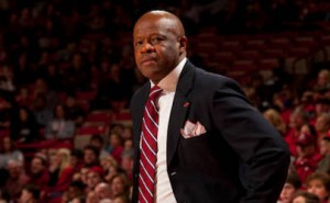 Hogs Basketball Lose SEC Opener on Road to Aggies
