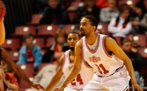 Arkansas State Downs ULM at Home