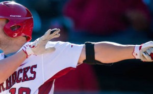 Hogs Split Doubleheader Against Mississippi State Bulldogs