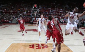 Razorback Basketball Doesn't Do Anything Easily