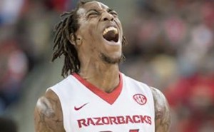 Razorbacks win SEC Opener on the road