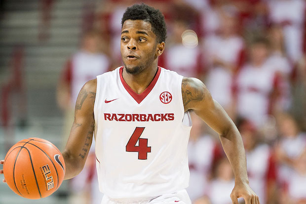 razorbacks improve ncaa tournament resume