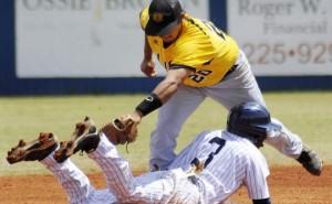 golden lions baseball Isias Alcantar