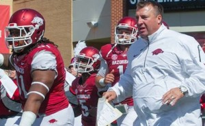 What just happened to the razorbacks Bielema leads team on field