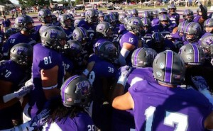 uca bears face red wolves 2016